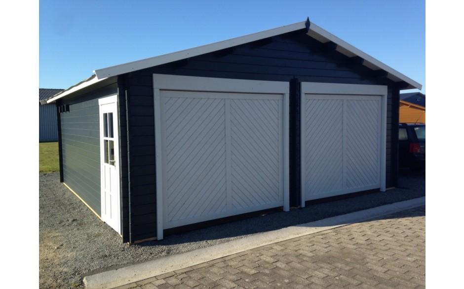 Schwarz und Grau gestrichene Garage Erlangen C