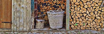 Carport und Holzgartenhaus kombiniert: Praktischer Unterstand für Ihr Auto
